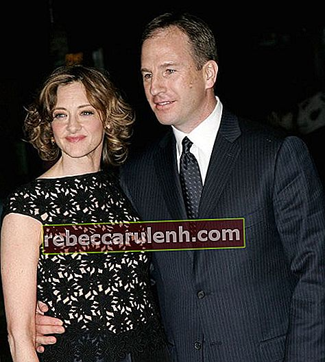 "Joan Cusack und Richard Burke bei der Sony Pictures Classics-Premiere von ""Friends with Money""."