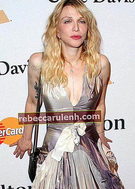 Courtney Love bei der Pre-Grammy Gala 2016