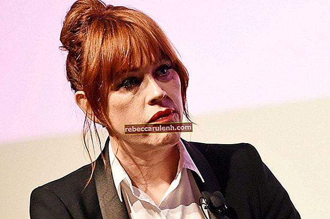 Molly Ringwald Taille, poids, âge, statistiques corporelles