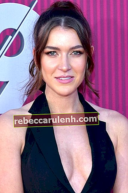 Nathalia Ramos sieht bei den iHeartRadio Music Awards 2019 in Los Angeles, Kalifornien, USA umwerfend aus