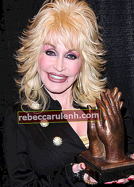 Dolly Parton nimmt 2010 den Liseberg Applause Award entgegen