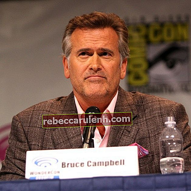 Bruce Campbell im März 2013 bei der WonderCon im Anaheim Convention Center in Anaheim, Kalifornien