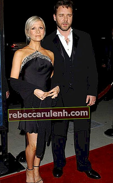 Russell Crowe und Danielle Spencer bei der Premiere von Master And Commander: The Far Side of the World im November 2003