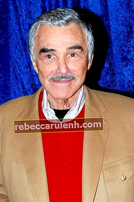 Burt Reynolds im Hollywood Blvd Cinema in Woodridge, DuPage County, Illinois, USA im April 2011